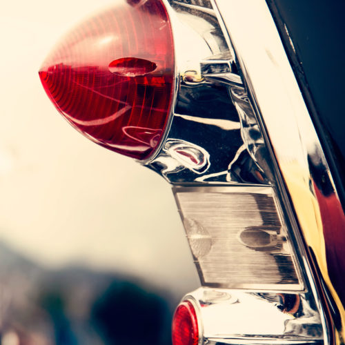background-black-white-classic-car-slit-2