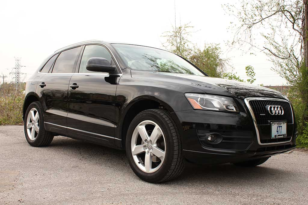 side of 2010 audio Q5