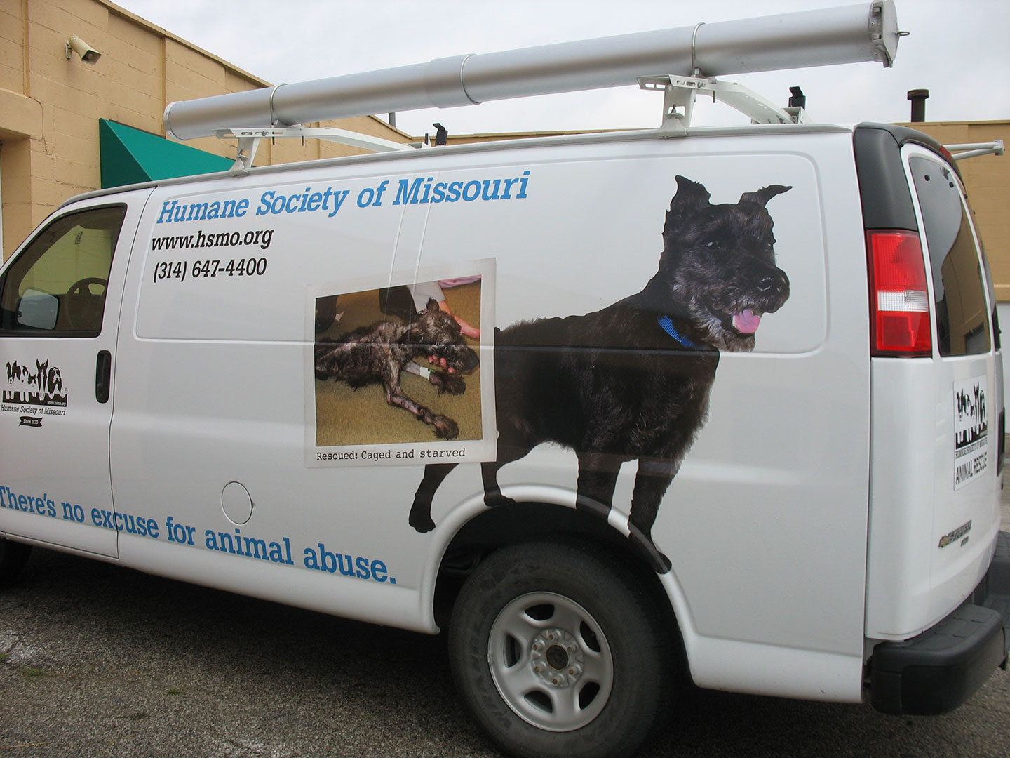 custom vinyl on Humane Society of Missouri truck