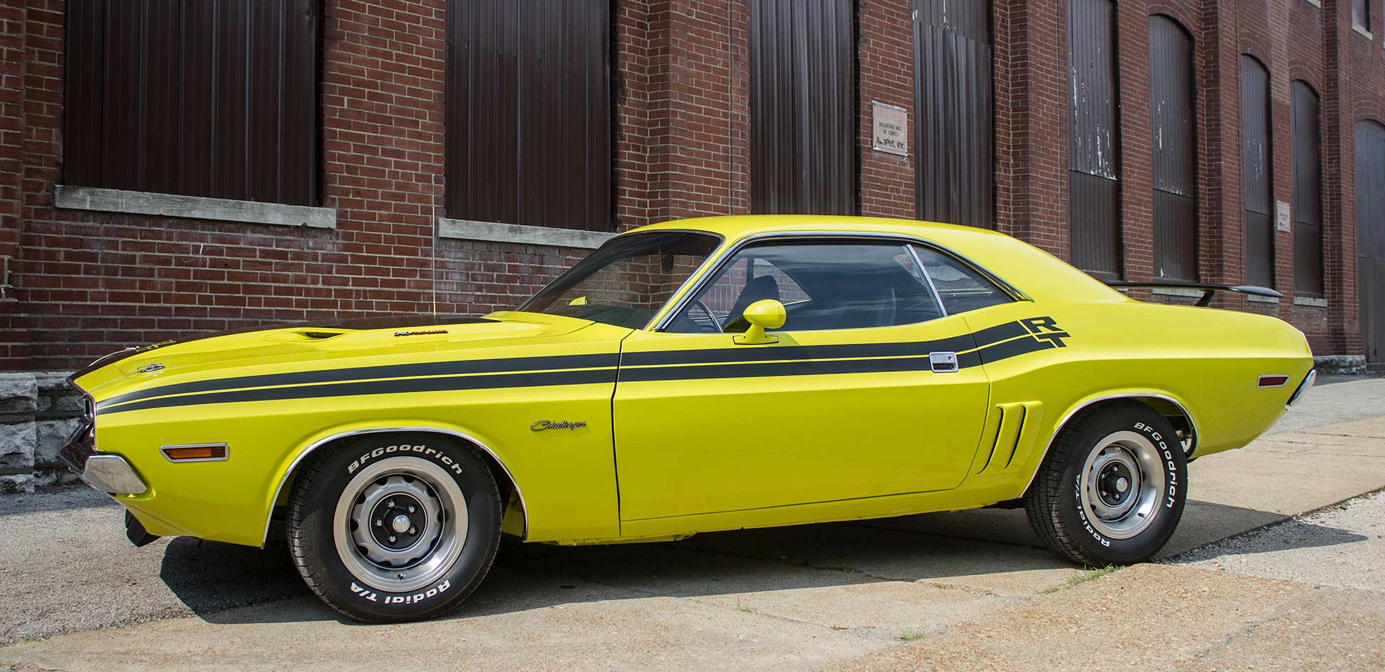 side of 1971 dodge challenger R/T